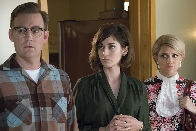 Kevin Christy as Lester, Lizzy Caplan as Virginia Johnson and Annaleigh Ashford as Betty in Masters of Sex (season 4, episode 4) - Photo: Warren Feldman/SHOWTIME - Photo ID: MastersofSex_404_0148