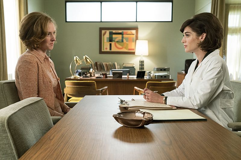 Lizzy Caplan as Virginia Johnson in Masters of Sex (season 4, episode 4) - Photo: Warren Feldman/SHOWTIME - Photo ID: MastersofSex_404_0746