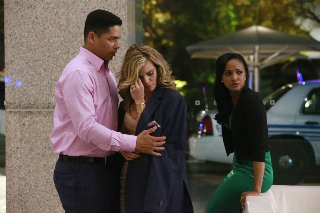 """SECRETS AND LIES - """"The Fall"""" - The explosive power of people's secrets and lies will once again take center stage in season two of ABC's hit drama """"Secrets and Lies,"""" focusing on a brand-new case and a new suspect in another 10-episode thrilling who-done-it, premiering on SUNDAY, SEPTEMBER 25 (9:00-10:00 p.m. EDT), on the ABC Television Network. (ABC/Mitch Haddad) CHARLIE BARNETT, ANNALYNNE MCCORD, MEKIA COX"""