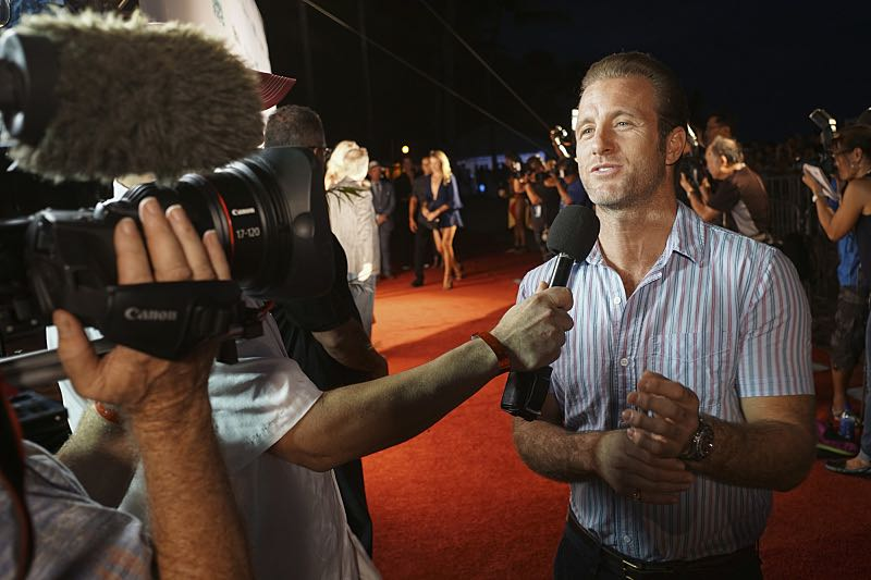 """Scott Caan who plays the part of """"Danny 'Danno' Williams"""" is interviewed on the red carpet at the Seventh annual Sunset on the Beach event, where thousands of Oahu residents and visitors gathered in Waikiki to watch the season seven premiere of Hawaii Five-0, titled Makaukau 'oe e pa 'ani, on Friday, Sept. 23, 2016, in Honolulu. Photo: Hugh Gentry/CBS © 2016 CBS Broadcasting, Inc. All Rights Reserved"""