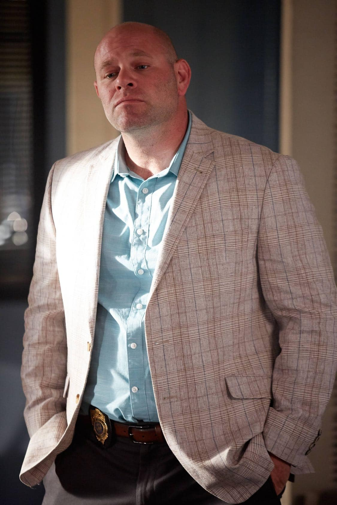 "ROSEWOOD: Domenick Lombardozzi in the ""Secrets and Silent Killers"" episode of ROSEWOOD airing Thursday, Sept. 29 (8:-00-8:50 PM ET/PT) on FOX. ©2016 Fox Broadcasting Co. CR: Tyler Golden/FOX"