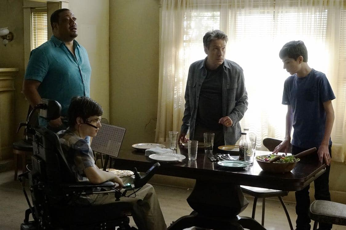SPEECHLESS Season 1 Episode 2 Photos N E NEW A I AIDE 10