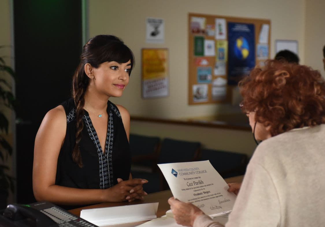 """NEW GIRL:  Hannah Simone (L) in the """"Hubbedy Bubby"""" episode of NEW GIRL airing Tuesday, Sept. 27 (8:30-9:00 PM ET/PT) on FOX.  ©2016 Fox Broadcasting Co.  Cr:  Ray Mickshaw/FOX"""