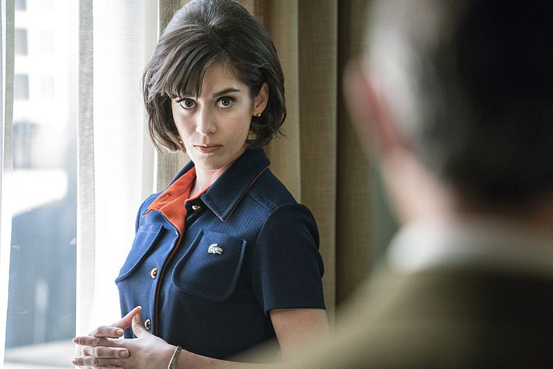 Lizzy Caplan as Virginia Johnson in Masters of Sex (season 4, episode 3) - Photo: Warren Feldman/SHOWTIME - Photo ID: MastersofSex_403_0488