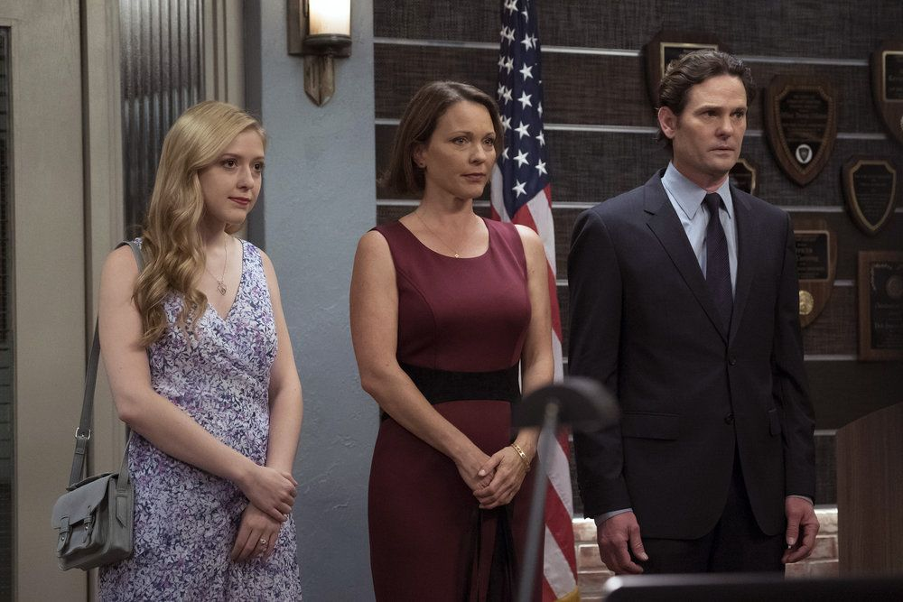 """LAW & ORDER: SPECIAL VICTIMS UNIT -- """"Making A Rapist"""" Episode 1802 -- Pictured: (l-r) Alexis Collins as Ashley Harper, Kelli Williams as Melanie Harper, Henry Thomas as Sean Roberts -- (Photo by: Peter Kramer/NBC)"""