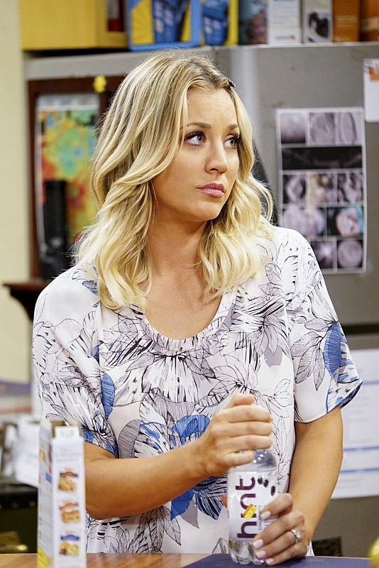 """""""The Military Miniaturization"""" -- Pictured: Penny (Kaley Cuoco). Colonel Williams (Dean Norris), an Air Force representative from the Department of Material Command sits down to talk with Wolowitz, on THE BIG BANG THEORY, Monday, Sept. 26 (8:00-8:30, ET/PT), on the CBS Television Network. Photo: Sonja FlemmingCBS ©2016 CBS Broadcasting, Inc. All Rights Reserved."""