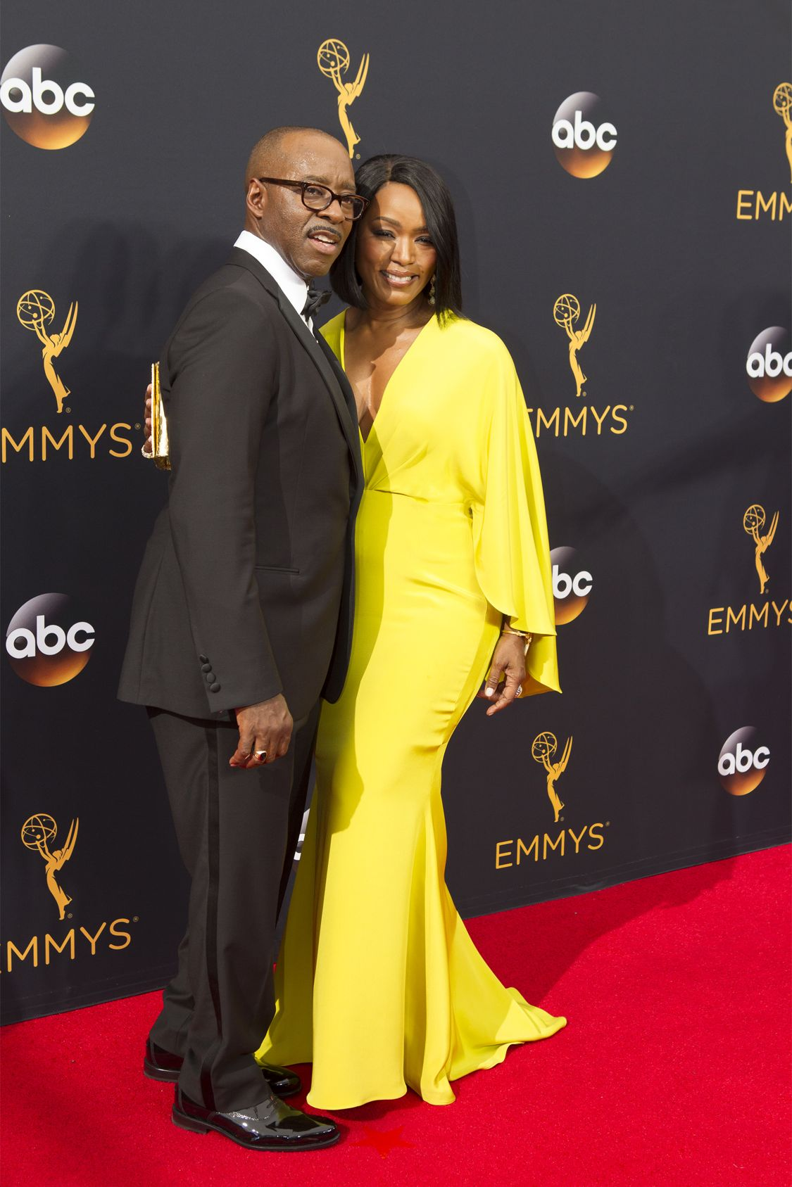 """THE 68TH EMMY(r) AWARDS - """"The 68th Emmy Awards"""" broadcasts live from The Microsoft Theater in Los Angeles, Sunday, September 18 (7:00-11:00 p.m. EDT/4:00-8:00 p.m. PDT), on ABC and is hosted by Jimmy Kimmel. (ABC/Rick Rowell) COURTNY B. VANCE, ANGELA BASSETT"""
