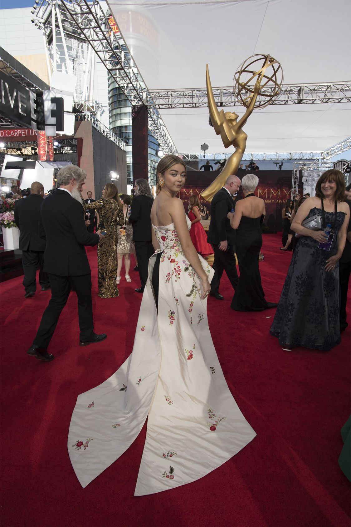 """THE 68TH EMMY(r) AWARDS - """"The 68th Emmy Awards"""" broadcasts live from The Microsoft Theater in Los Angeles, Sunday, September 18 (7:00-11:00 p.m. EDT/4:00-8:00 p.m. PDT), on ABC and is hosted by Jimmy Kimmel. (ABC/Image Group LA) SARAH HYLAND"""