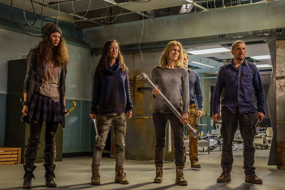 "VAN HELSING -- ""Help Me"" Episode 101 -- Pictured: (l-r) Avery Konrad as Cynthia, Jennifer Spece as Karen, Alison Wandzura as Nicole, Christopher Heyerdahl as Sam, David Cubitt as John -- (Photo by: Dan Power/Helsing S1 Productions/Syfy)"
