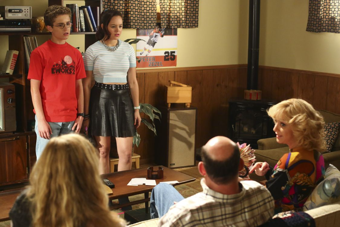 """THE GOLDBERGS -""""Physical Education Education"""" - Erica and Lainey try to find Bill a woman of interest by using new technology for dating. They recruit Adam to create a demo reel, but Beverly insists she will find someone the old fashioned way. Meanwhile, after a """"failed"""" aptitude test, Barry decides he wants to be a gym teacher and becomes Coach Mellor's apprentice, on """"The Goldbergs,"""" WEDNESDAY, SEPTEMBER 28 (8:00-8:30 p.m. EDT), on the ABC Television Network. (ABC/Michael Ansell) SEAN GIAMBRONEM, HAYLEY ORRANTIA, WENDI MCLENDON-COVEY"""