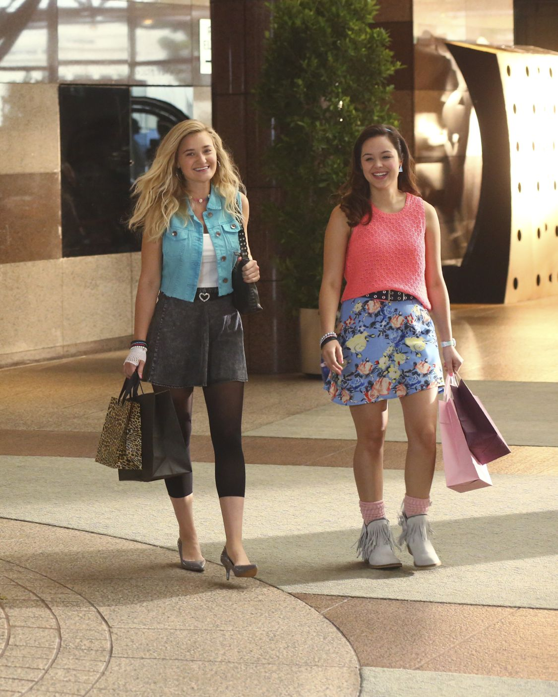 """THE GOLDBERGS -""""Physical Education Education"""" - Erica and Lainey try to find Bill a woman of interest by using new technology for dating. They recruit Adam to create a demo reel, but Beverly insists she will find someone the old fashioned way. Meanwhile, after a """"failed"""" aptitude test, Barry decides he wants to be a gym teacher and becomes Coach Mellor's apprentice, on """"The Goldbergs,"""" WEDNESDAY, SEPTEMBER 28 (8:00-8:30 p.m. EDT), on the ABC Television Network. (ABC/Michael Ansell) AJ MICHALKA, HAYLEY ORRANTIA"""
