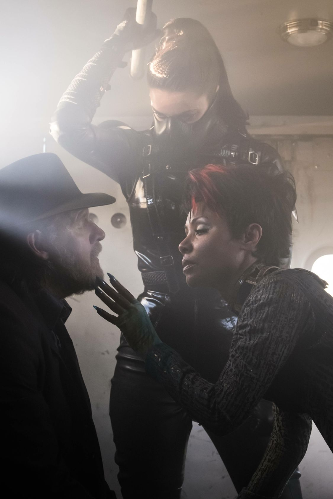 """GOTHAM: L-R: Donal Logue and guest star Jada Pinkett Smith in the """"Mad City: Burn The Witch"""" episode of GOTHAM airing airing Monday, Sept. 26 (8:00-9:01 PM ET/PT) on FOX.  ©2016 Fox Broadcasting Co. Cr: Jeff Neumann/FOX."""