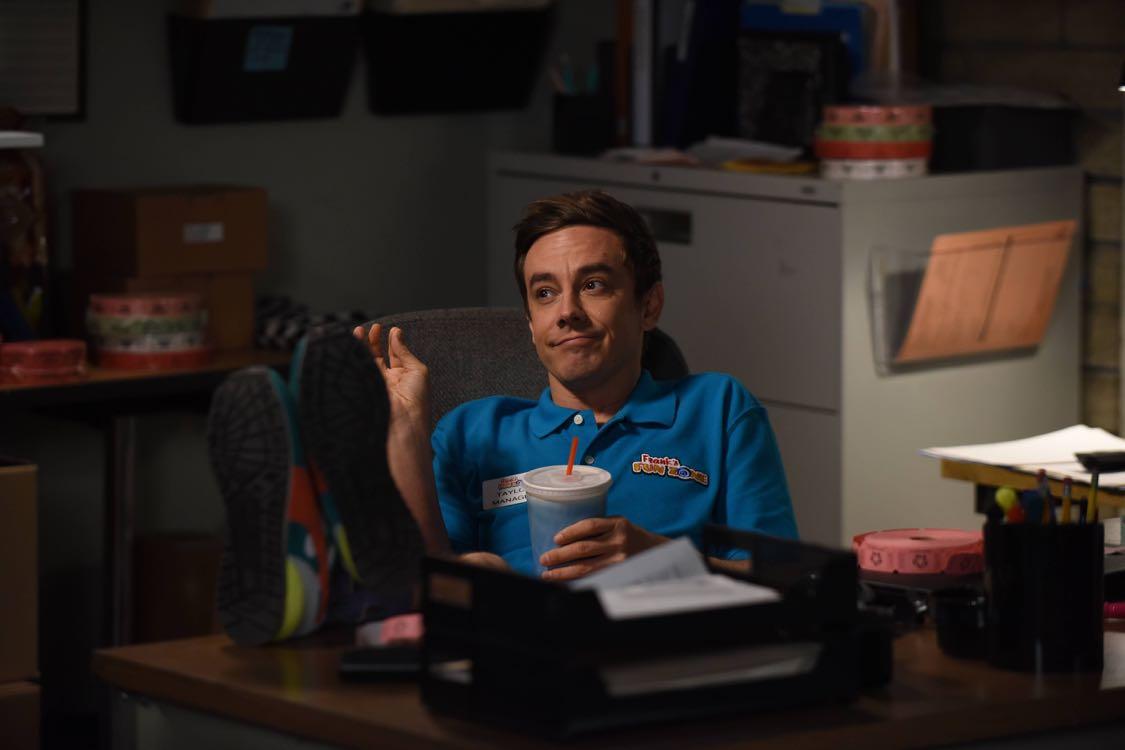"BROOKLYN NINE-NINE: Guest star Jorma Tacoma in the ""Coral Palms Pt.1"" season premiere episode of BROOKLYN NINE-NINE airing Tuesday, Sept. 20 (8:00-8:31 PM ET/PT) on FOX. ©2016 Fox Broadcasting Co. CR: Ray Mickshaw/FOX."