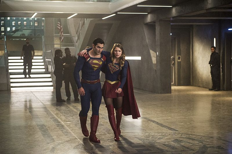 """Supergirl -- """"The Last Children of Krypton"""" -- Image SPG202b_0069 -- Pictured (L-R): Tyler Hoechlin as Clark/Superman and Melissa Benoist Kara/Supergirl -- Photo: Diyah Pera/The CW -- © 2016 The CW Network, LLC. All Rights Reserved"""