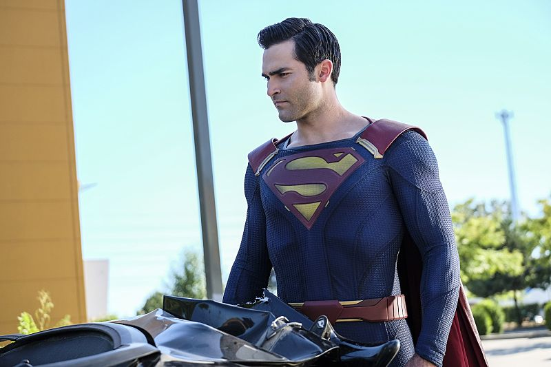 """Supergirl -- """"The Last Children of Krypton"""" -- Image SPG202a_0073 -- Pictured: Tyler Hoechlin as Clark/Superman -- Photo: Robert Falconer/The CW -- © 2016 The CW Network, LLC. All Rights Reserved"""