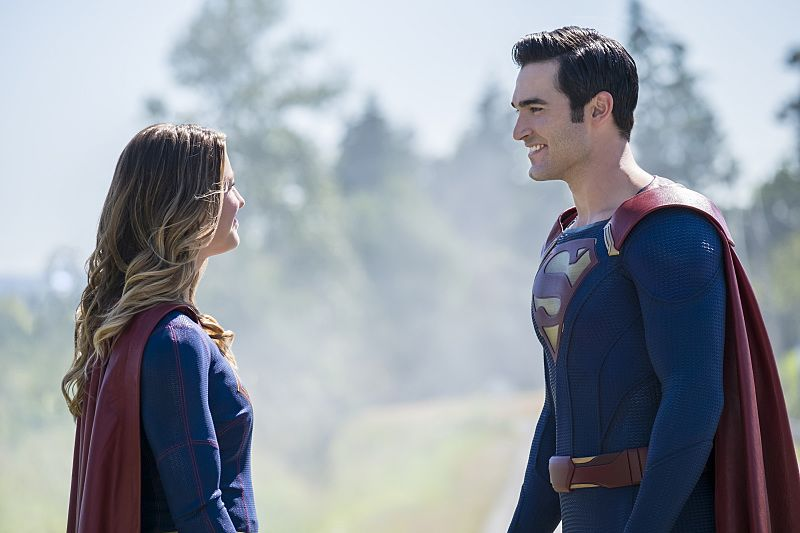 """Supergirl -- """"The Last Children of Krypton"""" -- Image SPG202a_0019 -- Pictured (L-R): Melissa Benoist Kara/Supergirl and Tyler Hoechlin as Clark/Superman -- Photo: Robert Falconer/The CW -- © 2016 The CW Network, LLC. All Rights Reserved"""