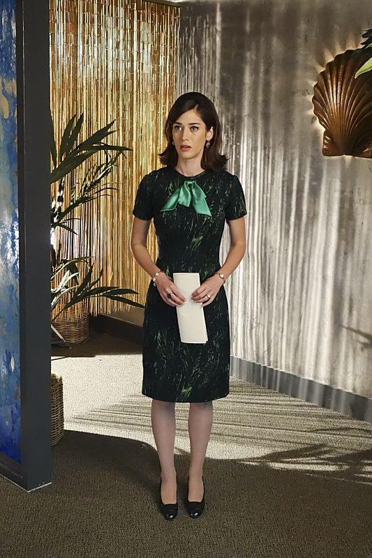 Lizzy Caplan as Virginia Johnson in Masters of Sex (season 4, episode 1) - Photo: Warren Feldman/SHOWTIME - Photo ID: MastersofSex_401_0803