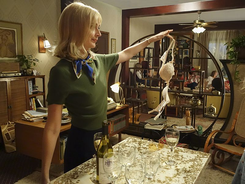 Caitlin Fitzgerald as Libby Masters in Masters of Sex (season 4, episode 1) - Photo: Warren Feldman/SHOWTIME - Photo ID: MastersofSex_401_0068