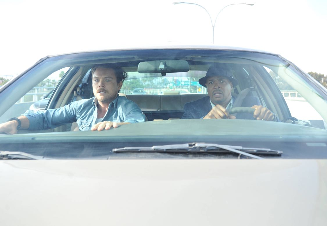 LETHAL WEAPON: Pictured L-R: Clayne Crawford and Damon Wayans Sr. on LETHAL WEAPON premiering Wednesday, Sept. 21 (8:00-9:00 PM ET/PT) on FOX. ©2016 Fox Broadcasting Co. CR: Richard Foreman/FOX