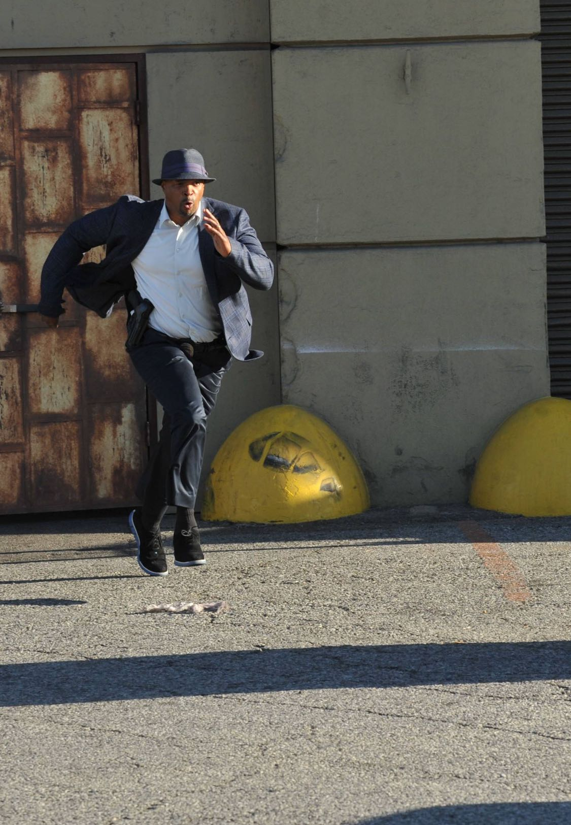LETHAL WEAPON: Damon Wayans in the series premiere episode of LETHAL WEAPON airing Wednesday, Sept. 21 (8:00-9:00 PM ET/PT) on FOX. ©2016 Fox Broadcasting Co. CR: Richard Foreman/FOX