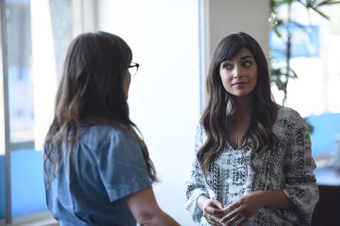 """NEW GIRL:  L-R:  Zooey Deschanel and Hannah Simone     in the """"House Hunt"""" season premiere episode of NEW GIRL airing Tuesday, Sept. 20 (8:30-9:00 PM ET/PT) on FOX.  ©2016 Fox Broadcasting Co.  Cr:  Ray Mickshaw/FOX"""