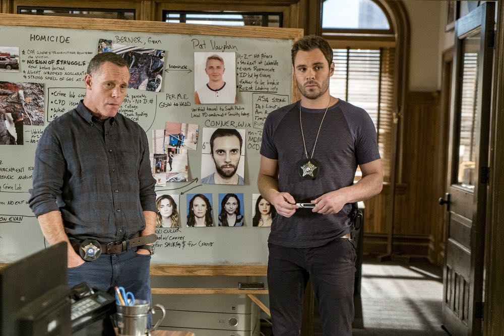 "CHICAGO P.D. -- ""The Silos"" Episode 401 -- Pictured: (l-r) Jason Beghe as Hank Voight, Patrick John Flueger as Adam Ruzek -- (Photo by: Matt Dinerstein/NBC)"