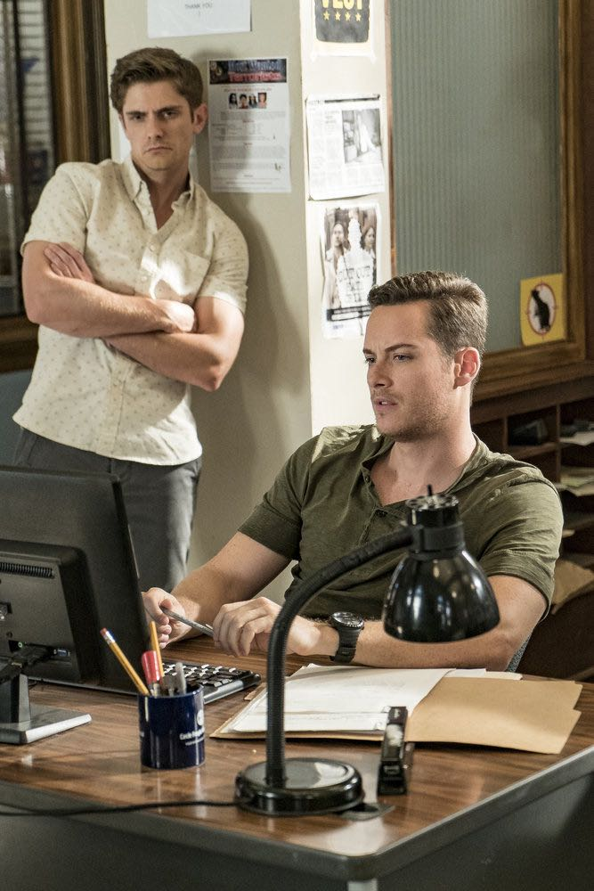 "CHICAGO P.D. -- ""The Silos"" Episode 401 -- Pictured: Jesse Lee Soffer as Jay Halstead -- (Photo by: Matt Dinerstein/NBC)"