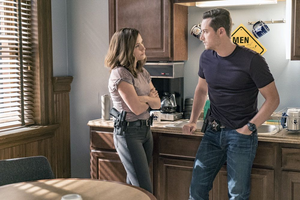 "CHICAGO P.D. -- ""The Silos"" Episode 401 -- Pictured: (l-r) Sophia Bush as Erin Lindsay, Jesse Lee Soffer as Jay Halstead -- (Photo by: Matt Dinerstein/NBC)"