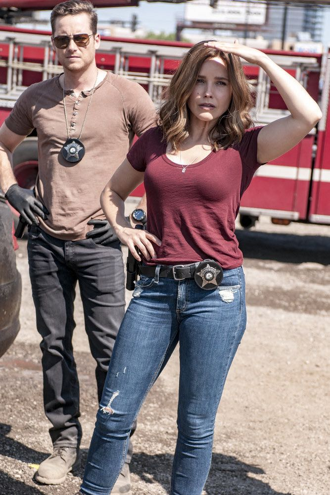 "CHICAGO P.D. -- ""The Silos"" Episode 401 -- Pictured: (l-r) Patrick John Flueger as Adam Ruzek, Sophia Bush as Erin Lindsay -- (Photo by: Matt Dinerstein/NBC)"