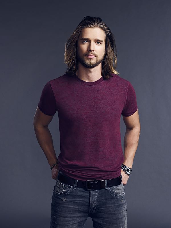 Drew Van Acker as Tommy Campbell -- CBS pilot TRAINING DAY. TRAINING DAY is a crime drama that begins 15 years after the events of the feature film, starring Bill Paxton as Frank Rourke, a hardened, morally ambiguous detective for the LAPD, and Justin Cornwell as Kyle Craig, a young, idealistic officer tapped to go undercover as his trainee and spy on him. TRAINING DAY will air during the 2016-2017 season on the CBS Television Network. Photo: Smallz & Raskind/Warner Bros. Entertainment Inc. © 2016 WBEI. All rights reserved.