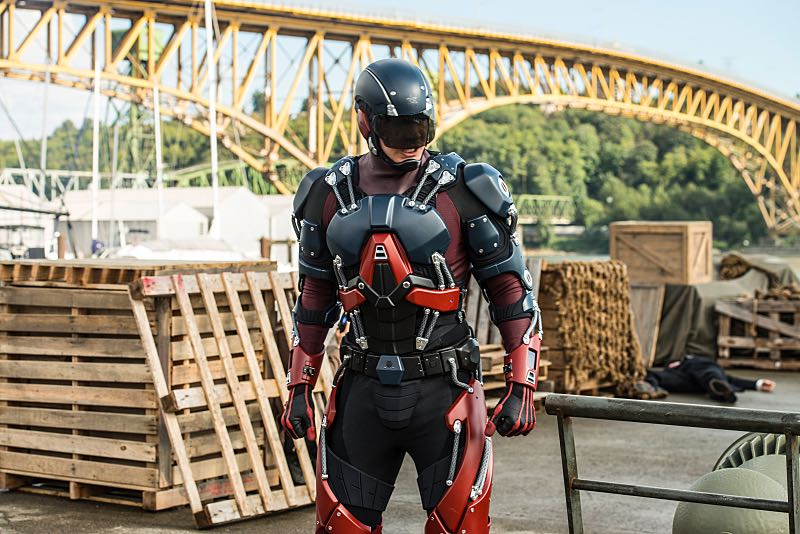 """DC's Legends of Tomorrow --""""Out Of Time""""-- Image LGN201A_0424.jpg Pictured: Brandon Routh as Ray Palmer/Atom -- Photo: Diyah Pera/The CW -- © 2016 The CW Network, LLC. All Rights Reserved."""