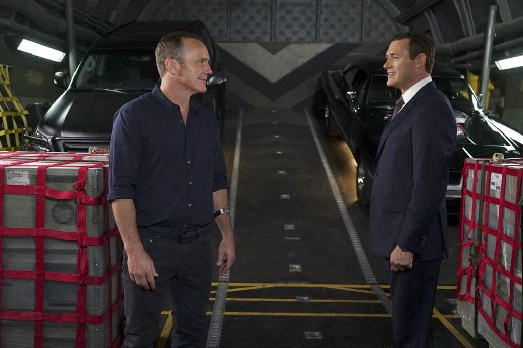 """MARVEL'S AGENTS OF S.H.I.E.L.D. - """"The Good Samaritan"""" - Robbie's shocking story on how he became Ghost Rider is finally discovered as Coulson and his team's lives hang in the balance, on """"Marvel's Agents of S.H.I.E.L.D.,"""" TUESDAY, NOVEMBER 1 (10:00-11:00 p.m. EDT), on the ABC Television Network. (ABC/Eric McCandless) CLARK GREGG, JASON O'MARA"""