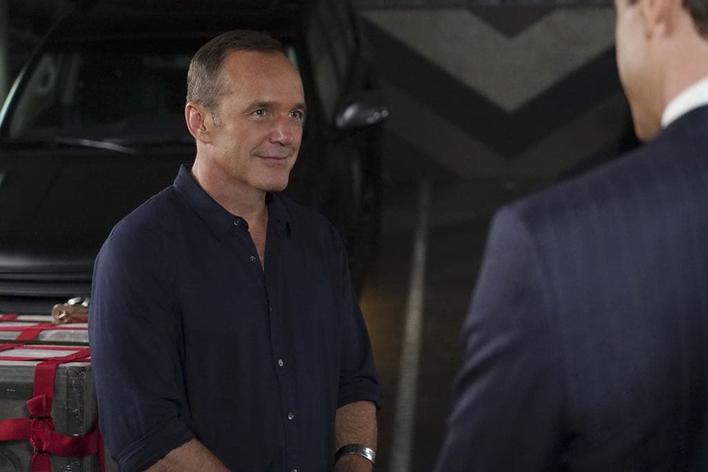 """MARVEL'S AGENTS OF S.H.I.E.L.D. - """"The Good Samaritan"""" - Robbie's shocking story on how he became Ghost Rider is finally discovered as Coulson and his team's lives hang in the balance, on """"Marvel's Agents of S.H.I.E.L.D.,"""" TUESDAY, NOVEMBER 1 (10:00-11:00 p.m. EDT), on the ABC Television Network. (ABC/Eric McCandless) CLARK GREGG"""