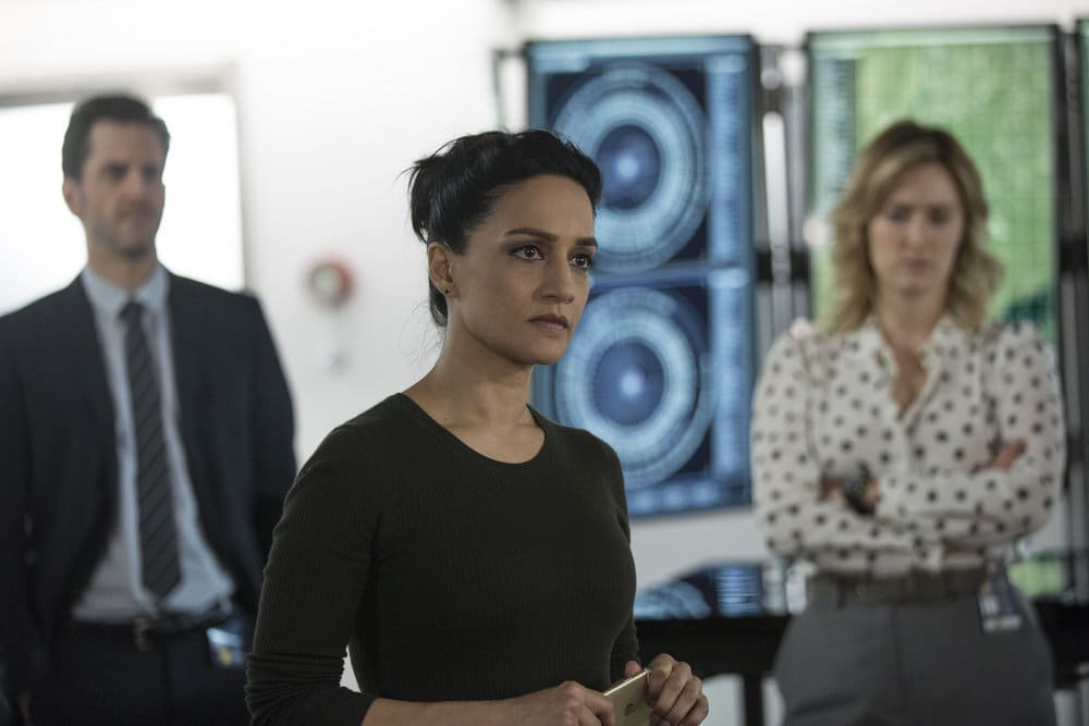 """BLINDSPOT -- """"Do Not Slack, the Featherweight Wins"""" Episode 208 -- Pictured: (l-r) Aaron Abrams as Matthew Weitz, Archie Panjabi as Nas Kamal, Ashley Johnson as Patterson -- (Photo by: Eric Liebowitz/Warner Bros/NBC)"""
