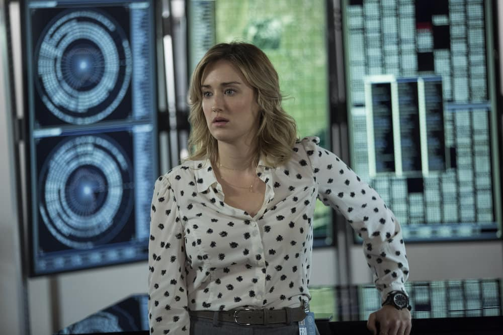 """BLINDSPOT -- """"Do Not Slack, the Featherweight Wins"""" Episode 208 -- Pictured: Ashley Johnson as Patterson -- (Photo by: Eric Liebowitz/Warner Bros/NBC)"""