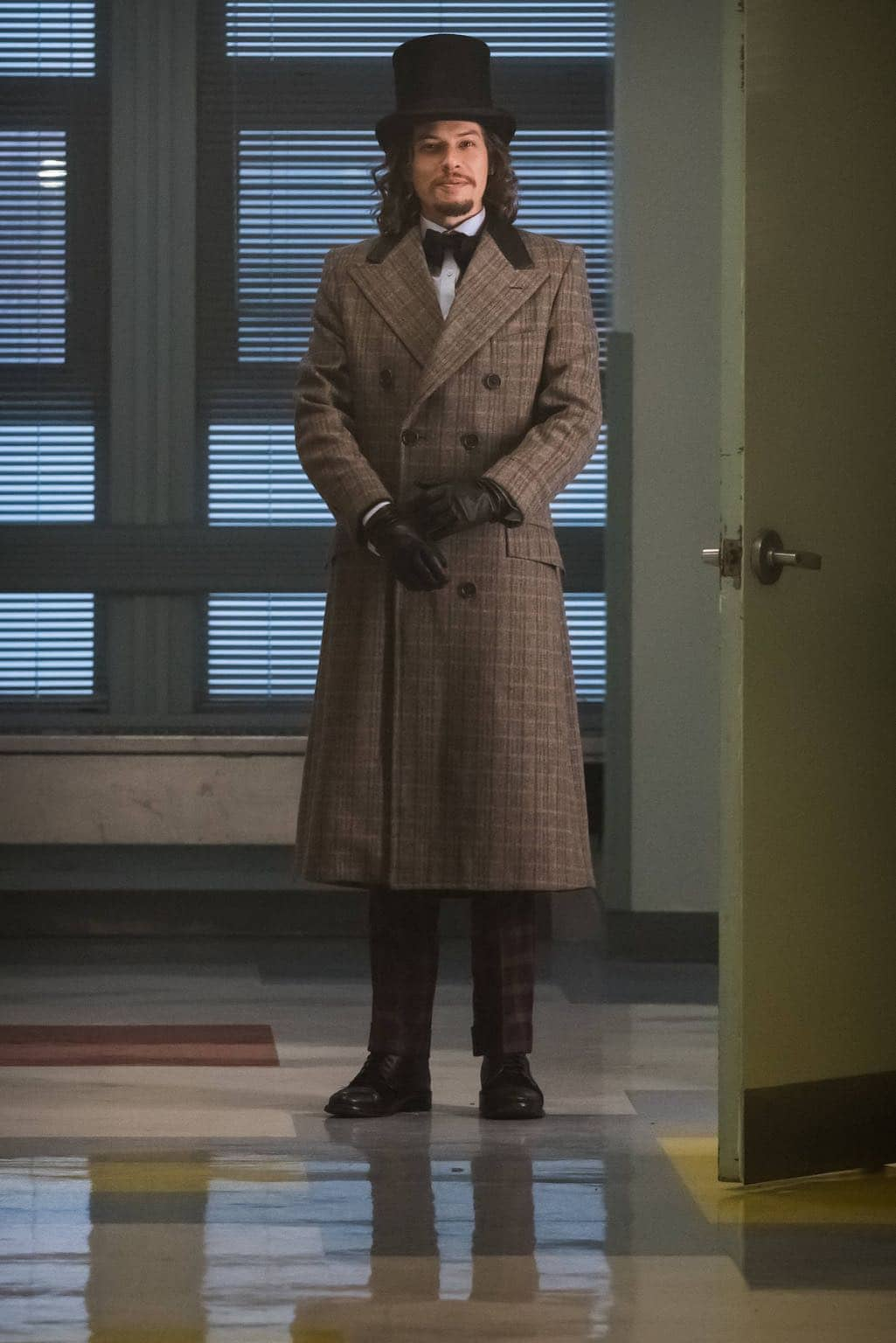 """GOTHAM: Benedict Samuel in the """"Mad City: Red Queen"""" episode of GOTHAM airing Monday, Oct. 31 (8:00-9:01 PM ET/PT) on FOX. ©2016 Fox Broadcasting Co. Cr: Jeff Neumann/FOX."""