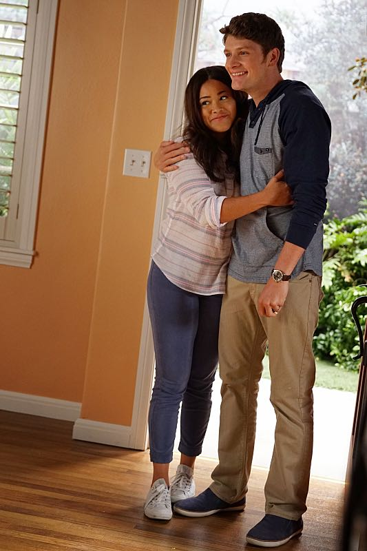 "Jane The Virgin -- ""Chapter Forty-Seven"" -- Image Number: JAV303c_32_0036.jpg -- Pictured (L-R): Gina Rodriguez as Jane and Brett Dier as Michael -- Photo: Scott Everett White/The CW -- ©2016 The CW Network, LLC. All Rights Reserved."