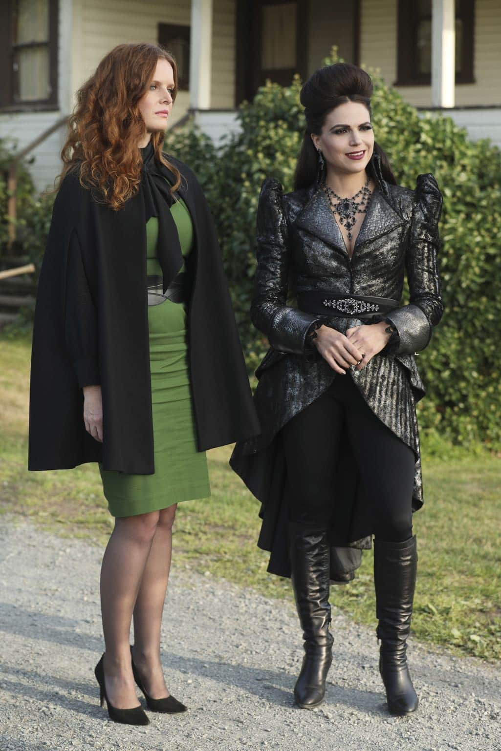"""ONCE UPON A TIME - """"Dark Waters"""" - Emma tries to convince Aladdin to work with Jasmine to help Agrabah, while Regina teams up with Snow and David to free Archie from Zelena. The Evil Queen sows suspicion between Henry and Hook, even as Mr. Gold reminds her of his most important lesson. Meanwhile, in the past, Hook finds himself kidnapped by the mysterious Captain Nemo and held captive inside his legendary submarine, the Nautilus, on """"Once Upon a Time,"""" SUNDAY, OCTOBER 30 (8:00-9:00 p.m. EDT), on the ABC Television Network. (ABC/Jack Rowand) REBECCA MADER, LANA PARRILLA"""