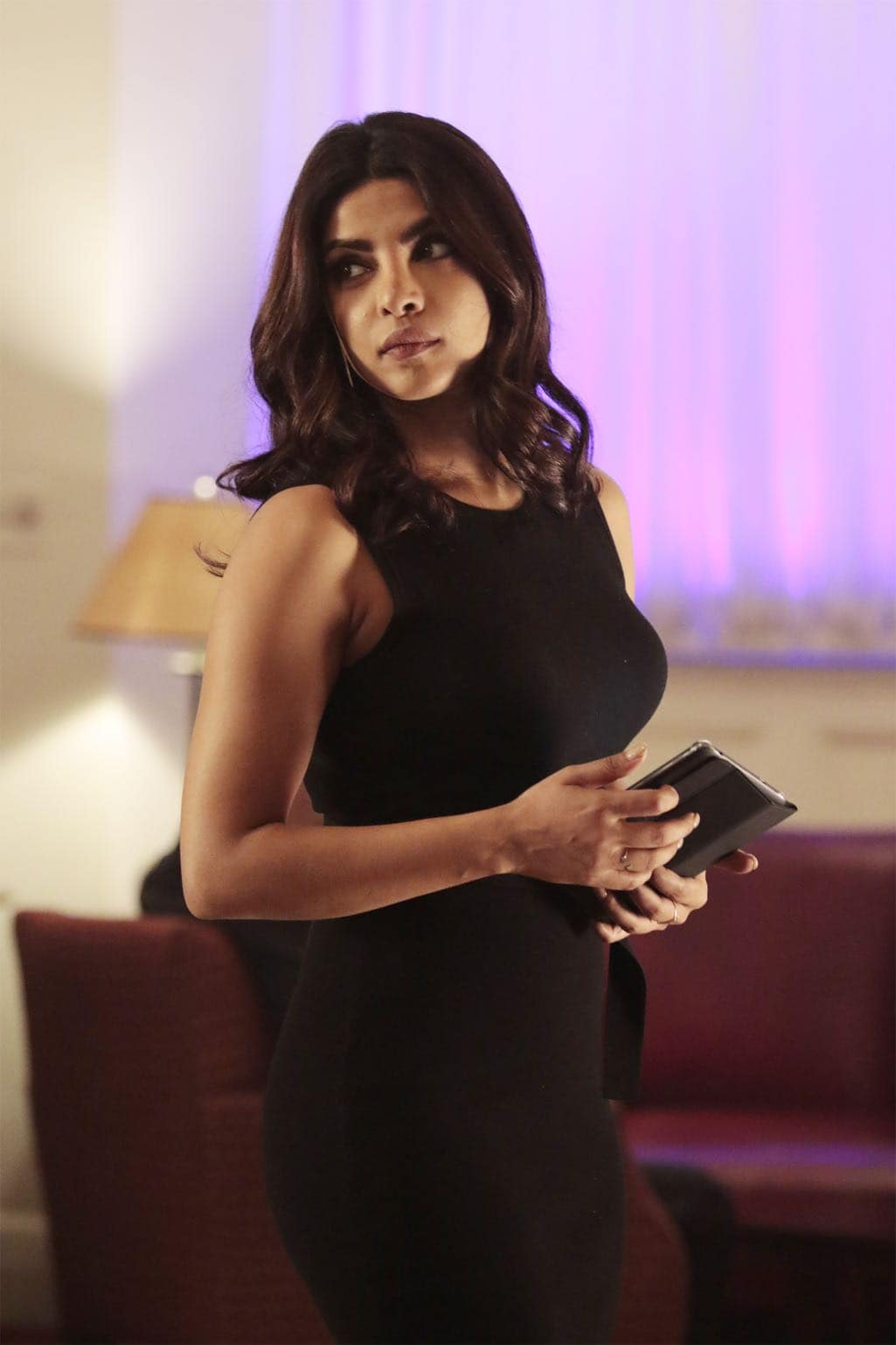 """QUANTICO - """"KMFORGET"""" - At the Farm, Harry is still suspicious of Alex and Ryan, and he's determined to learn more about their plan, while Leon is recruited for a special assignment by Owen. Meanwhile, in the future, Alex continues to run from the terrorists but faces her toughest challenge yet when the terrorists corner her on """"Quantico,"""" airing SUNDAY, OCTOBER 30 (10:00-11:00 p.m. EDT), on the ABC Television Network. (ABC/Giovanni Rufino) PRIYANKA CHOPRA"""