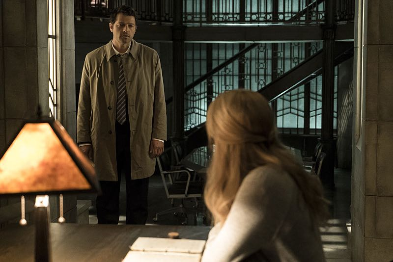 "Supernatural -- ""The Foundry"" -- SN1203b_0014.jpg -- Pictured (L-R): Misha Collins as Castiel and Samantha Smith as Mary Winchester -- Photo: Katie Yu/The CW -- © 2016 The CW Network, LLC. All Rights Reserved"