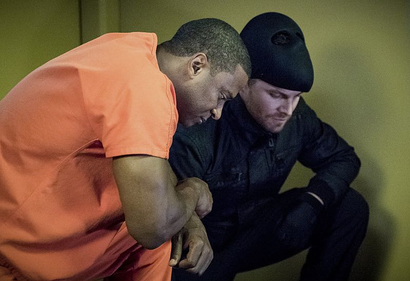 "Arrow -- ""Penance"" -- Image AR504b_0002b.jpg -- Pictured (L-R): David Ramsey as John Diggle and Stephen Amell as Oliver Queen -- Photo: Dean Buscher/The CW -- © 2016 The CW Network, LLC. All Rights Reserved."