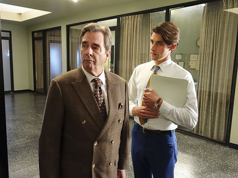 Beau Bridges as Barton Scully and Nick Clifford as Guy in Masters of Sex (season 4, episode 7) - Photo: Warren Feldman/SHOWTIME- Photo ID: MastersofSex_407_0561