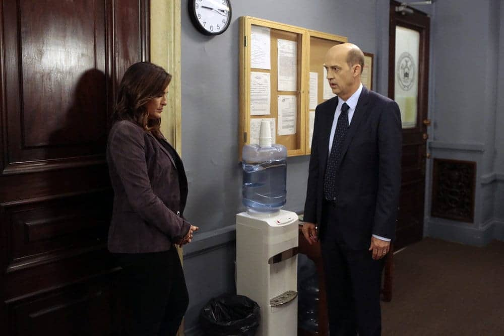 """LAW & ORDER: SPECIAL VICTIMS UNIT -- """"Rape Interrupted"""" Episode 1806 -- Pictured: (l-r) Mariska Hargitay as Olivia Benson, Anthony Edwards as Sgt. John Griffin -- (Photo by: Michael Parmelee/NBC)"""