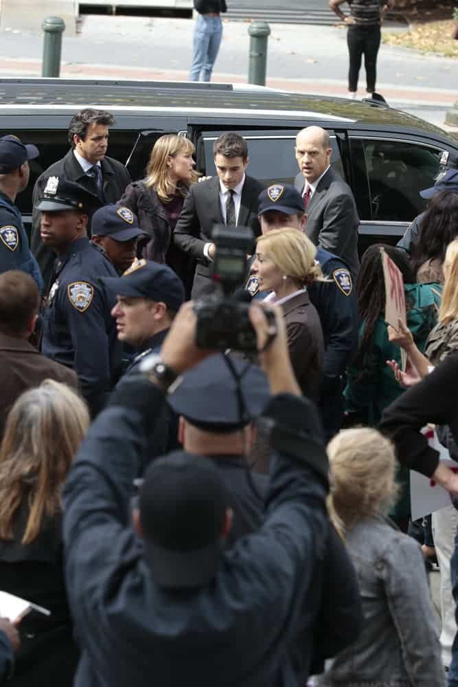 """LAW & ORDER: SPECIAL VICTIMS UNIT -- """"Rape Interrupted"""" Episode 1806 -- Pictured: Kelly McAndrew as Diane Griffin, Corey Cott as Ellis Griffin, Anthony Edwards as Sgt. John Griffin -- (Photo by: Michael Parmelee/NBC)"""