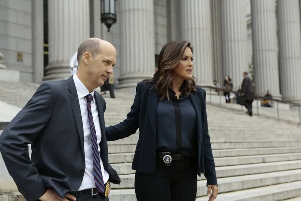 """LAW & ORDER: SPECIAL VICTIMS UNIT -- """"Rape Interrupted"""" Episode 1806 -- Pictured: (l-r) Anthony Edwards as Sgt. John Griffin, Mariska Hargitay as Olivia Benson -- (Photo by: Michael Parmelee/NBC)"""