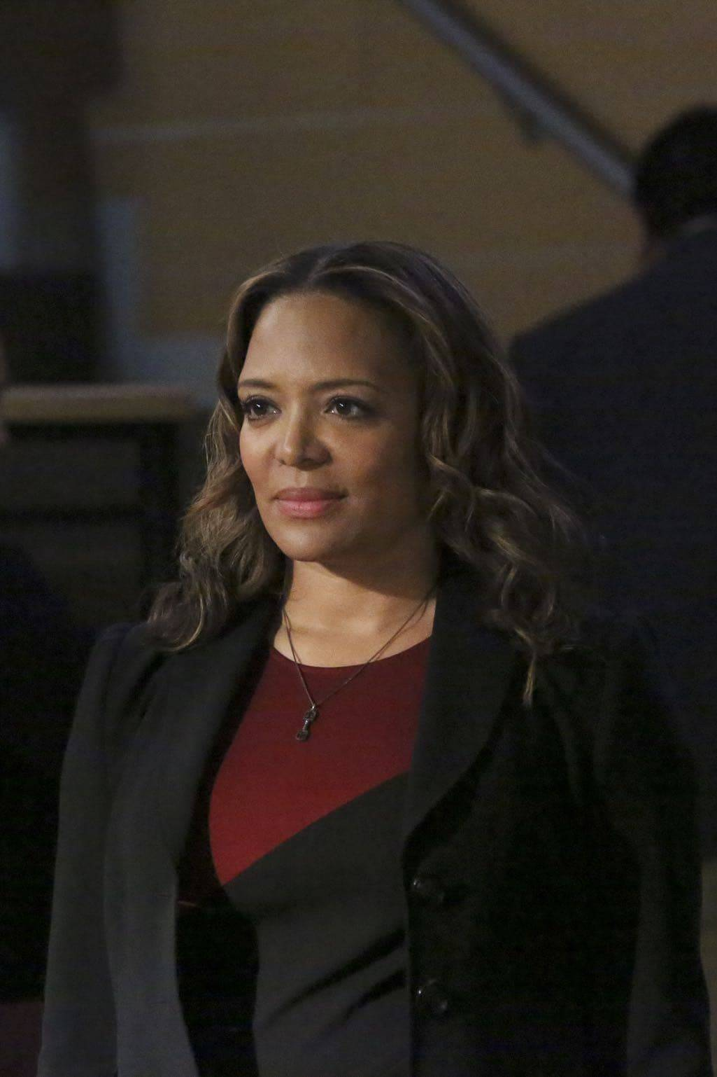 """HOW TO GET AWAY WITH MURDER - """"Is Someone Really Dead?"""" - A revelation in the Wallace Mahoney murder rattles Annalise and the Keating 5, as the team takes on the case of a veteran facing assault charges, on """"How to Get Away with Murder,"""" THURSDAY, OCTOBER 27 (10:00-11:00 p.m. EDT), on the ABC Television Network. (ABC/Mitch Haaseth) LAUREN LUNA VELEZ"""