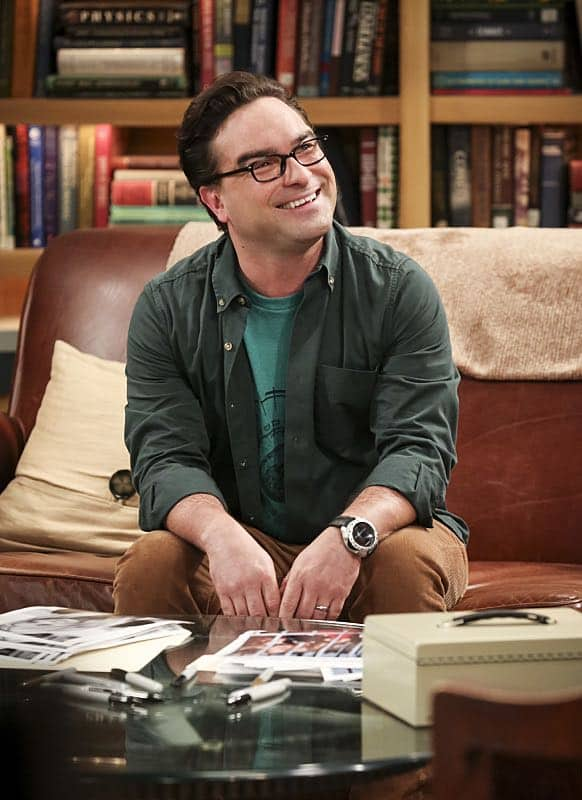 """The Fetal Kick Catalyst"" -- Pictured: Leonard Hofstadter (Johnny Galecki). Penny is surprised to learn she has fans of her performance in ""Serial Ape-ist"" when she attends Van Nuys Comic Con with Leonard. Also, Amy hosts a Sheldon-style brunch at Penny's apartment and Wolowitz makes an impulsive purchase when he starts stressing out about the baby on the way, when THE BIG BANG THEORY moves to its regular time period, Thursday, Oct. 27 (8:00-8:31 PM, ET/PT), on the CBS Television Network. Photo: Michael Yarish/Warner Bros. Entertainment Inc. © 2016 WBEI. All rights reserved."