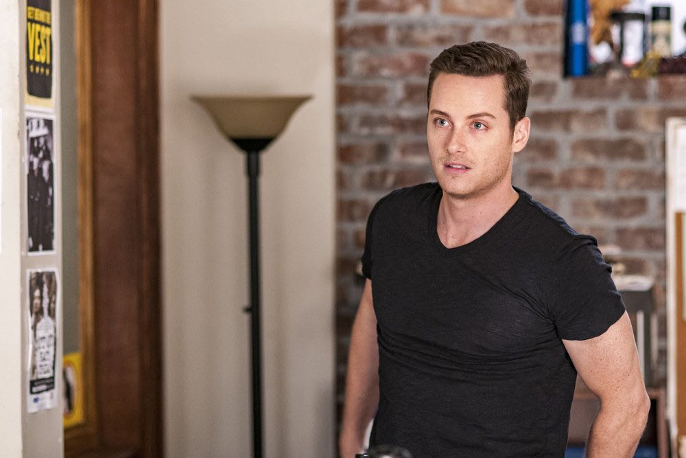 "CHICAGO P.D. -- ""Skin in the Game"" Episode 406 -- Pictured: Jesse Lee Soffer as Jay Halstead -- (Photo by: Matt Dinerstein/NBC)"