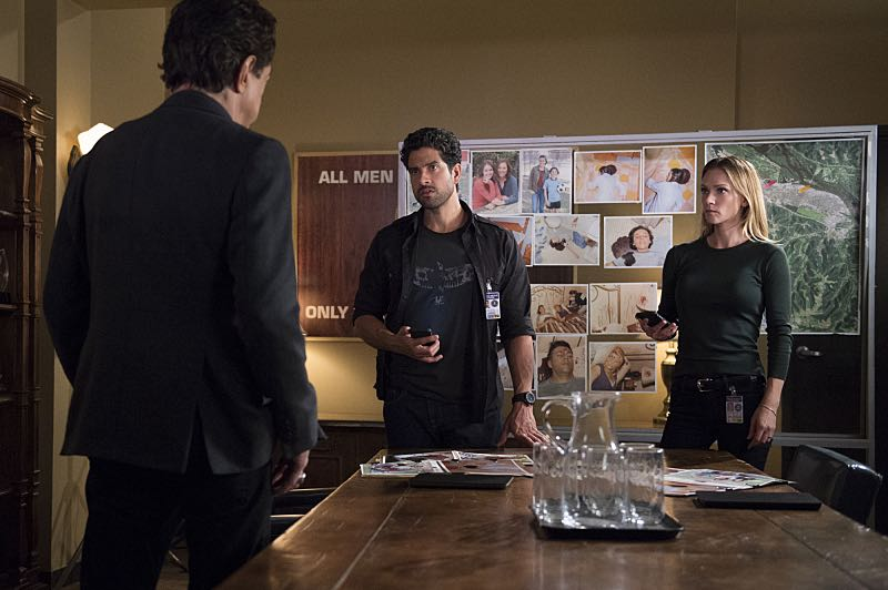 """The Anti-Terrorism Squad"" -- The BAU uses social media to discover an even bigger motive when two high school students survive both of their families deaths in Minnesota, on CRIMINAL MINDS, Wednesday, Nov. 2 (9:00-10:00 PM, ET/PT), on the CBS Television Network. Pictured: Adam Rodriguez (Luke Alvez), A.J. Cook (Jennifer ""JJ"" Jareau) Photo: Neil Jacobs/CBS ©2016 CBS Broadcasting, Inc. All Rights Reserved"