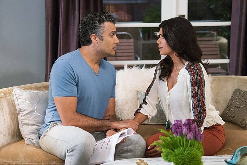 JANE THE VIRGIN Season 3 Episode 2 Photos Chapter Forty Six 5